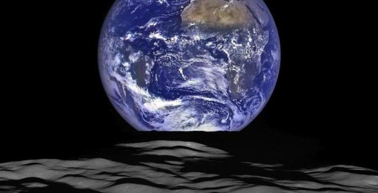L'umanità: una creatura con sette miliardi di cuori che battono all'unisono